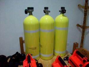 Vista de los tubos de oxigeno de aluminio.