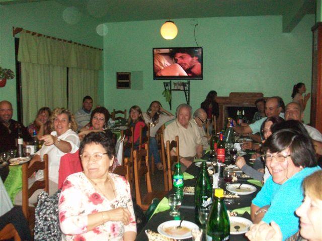 Algunos de los presentes en la cena de los escorpianos.