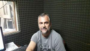 Federico Consiglieri en la Radio de Rawson.