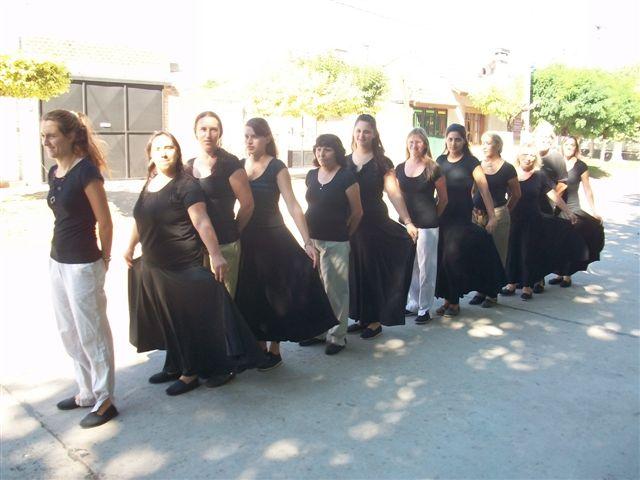 Integrantes del Taller de Folklore de la Escuela de Actividades Culturales de Rawson.