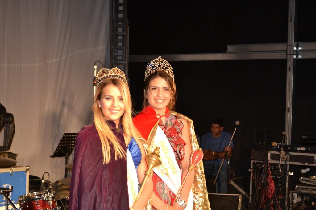 Reina de la XXXI Fiesta Provincial de la Primavera, Lucía Diez Cayuela y la Embajadora de la Fiesta, Abigail Sánchez