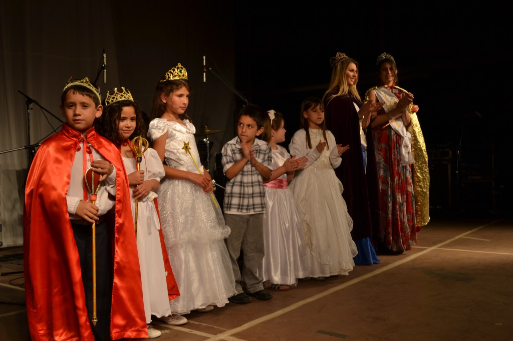 Coronación del Hada Primavera y sus Pimpollos.