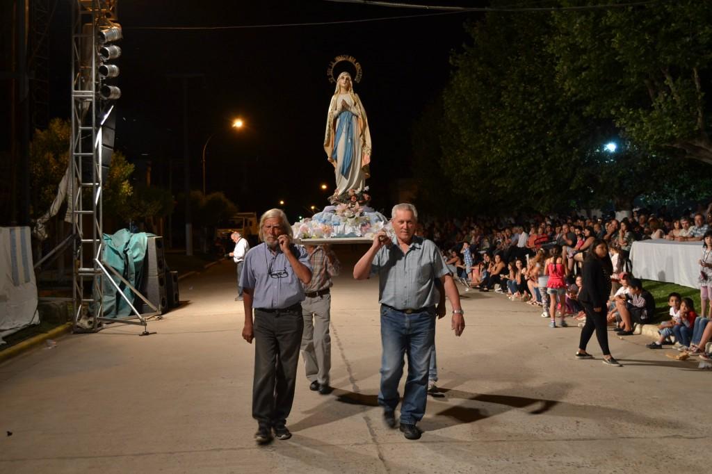 Imagen de la Virgen de la Inmaculada Concepción, abriendo el desfile de carrozas.