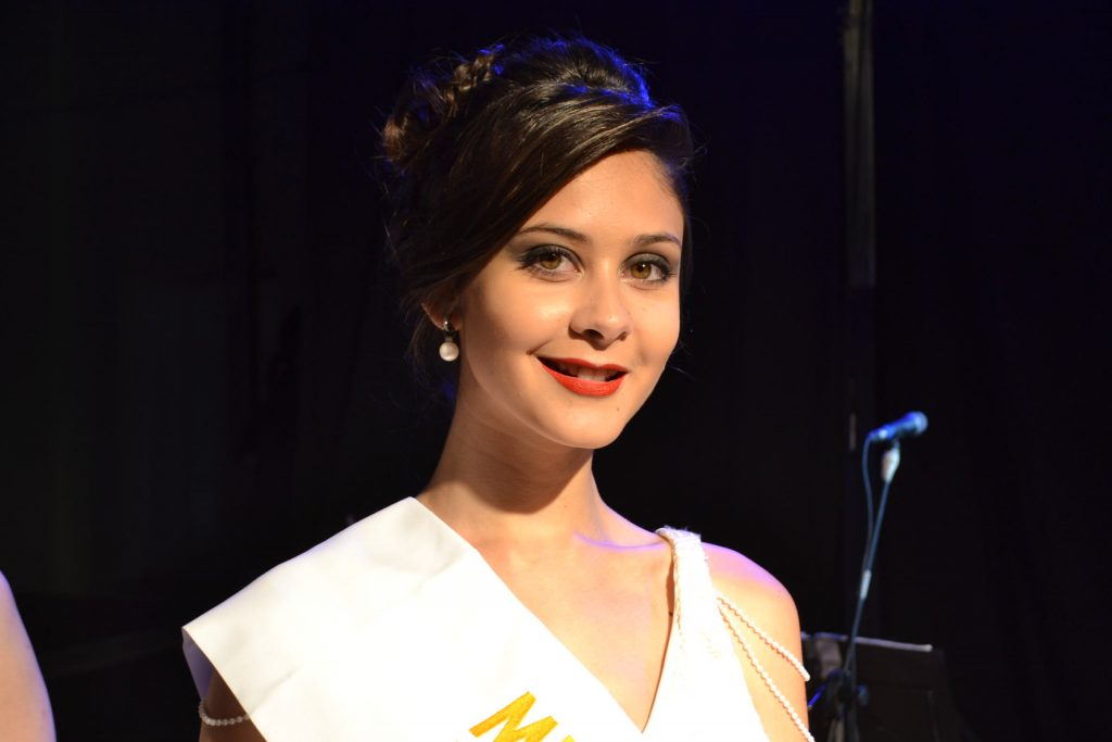 Miss Elegancia, Sofía Cazzola, 18 años, representaba a la escuela Secundaria nº 1 de Salto