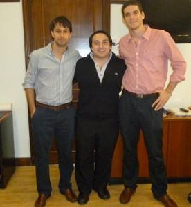 Fiore con secretarios de Santilli.