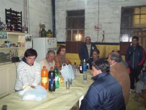 Rony Garello reunido con vecinos de Chacabuco.