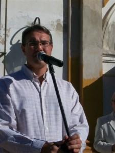 El intendente de Chacabuco haciendo uso de la palabra en Castilla.