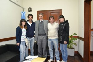 Subsidio al Centro de Estudiantes de Chacabuco en La Plata.