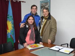 Golía con integrante de la Sociedad de Fomento del Barrio Parque Chacabuco.