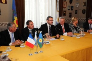 Darío Golía participó en la recepción del especialista en Ciencias Políticas y asesor del Presidente de Francia, Aymeryc Chauprade ayer martes en la Cámara de Diputados de la provincia de Buenos Aires.