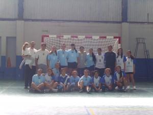 Equipos de la Escuela Municipal de Handball de Chacabuco en Luján.