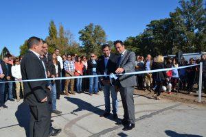 Con el corte de cintas, se deja oficialmente inaugurado el acceso a Castilla.