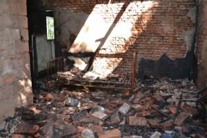 Destrucción total de una de las habitaciones.