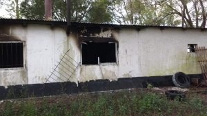 Otra imagen de la casa destruida por el fuego.
