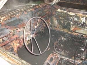 Interior del R12. Destruído.