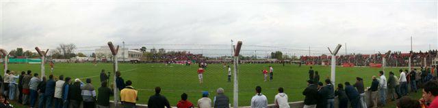 Más de dos mil espectadores apoyaron al elenco chivilcoyano en su ascenso al Torneo Argentino B.