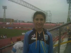 Irina en el estadio Miguel Grau de El Callao. Foto gentileza: Fernanda Zanlungo.