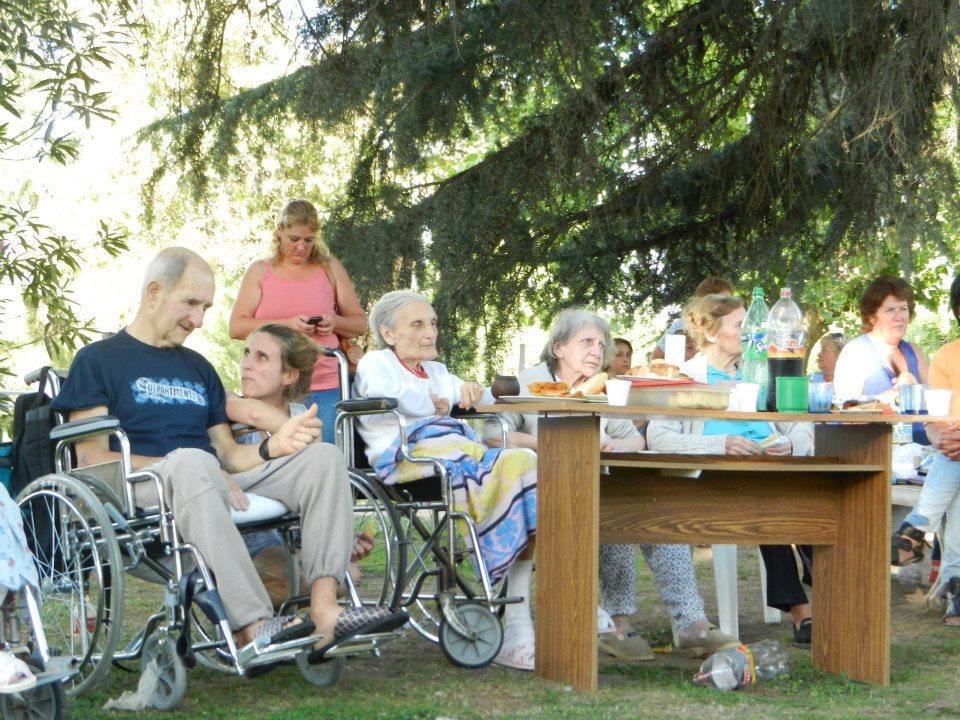 Los abuelos disfrutando de la jornada.