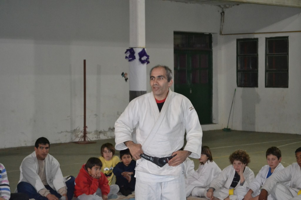 Maestro Masatsune Shiira (6º Dan).