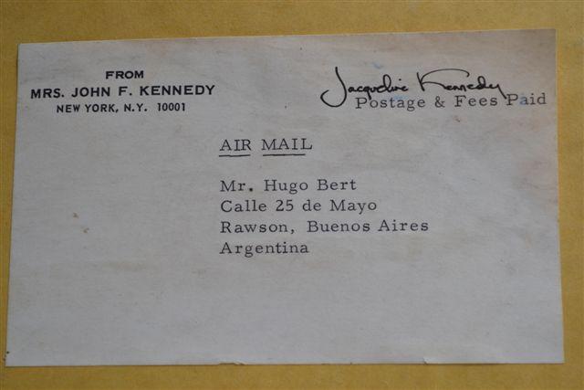 Remitente Jacqueline Kennedy y destinatario Hugo Bert.