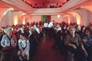 Arana, en la primera fila de un teatro que, gracias a la TV, recobró el esplendor de los antiguos tiempos. Foto: Jorge Bosch