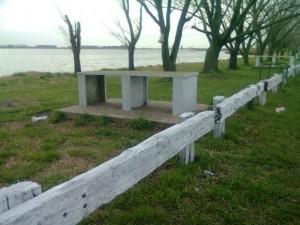 Piden material para arreglar el camino a la laguna de Rocha.