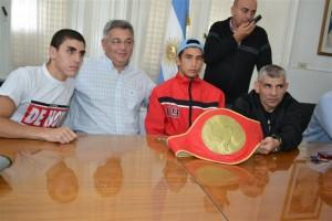 Manuel Liendo y el Uruguayo Brian Zarza junto a Barrientos.