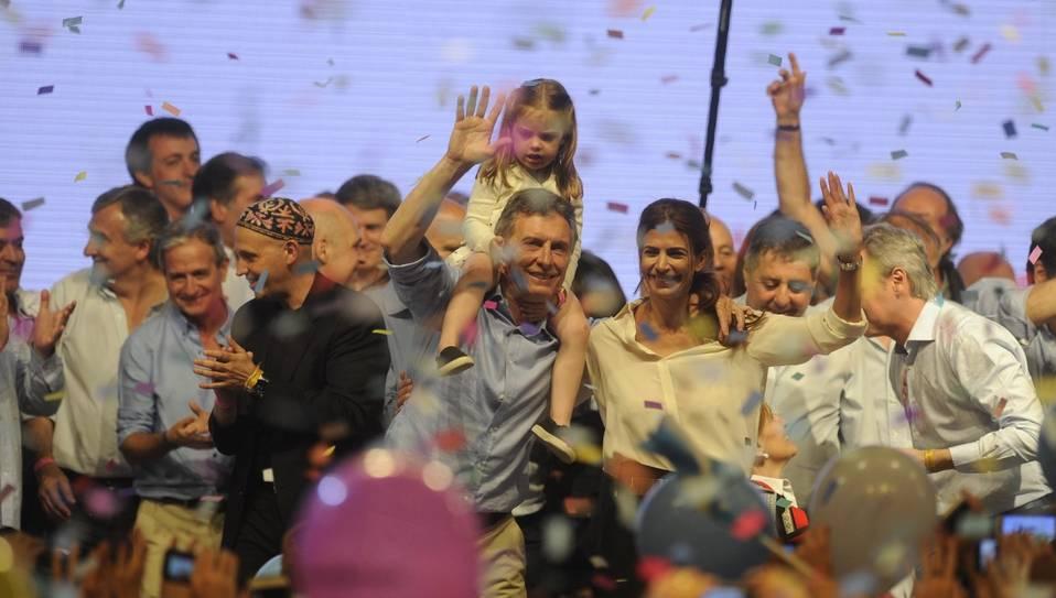 Tras doce años de poder kirchnerista, un nuevo espacio político llega a la Casa Rosada; Daniel Scioli reconoció la derrota.