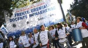 Docentes ratifican la continuidad del paro en la provincia de Buenos Aires.