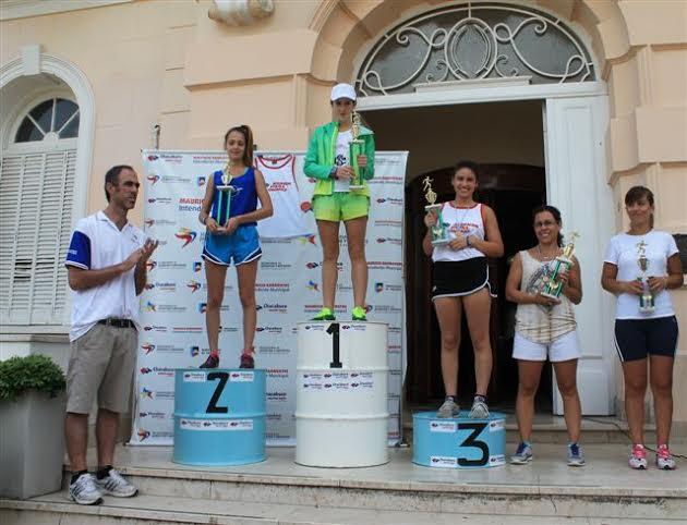 Jaquelina Albornoz ganadora en damas.