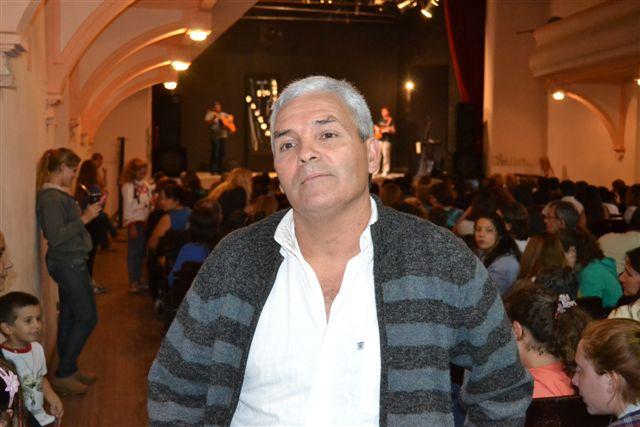 Miguel Ciruli y su canto.