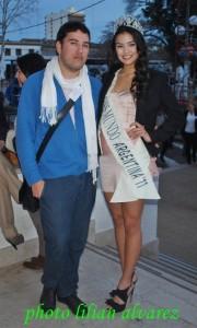 Marcelo Quintana junto a la actual Miss Mundo Argentina Antonella Kruger en Mar del Plata.