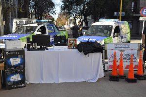 Nuevos móviles y motocicletas policiales