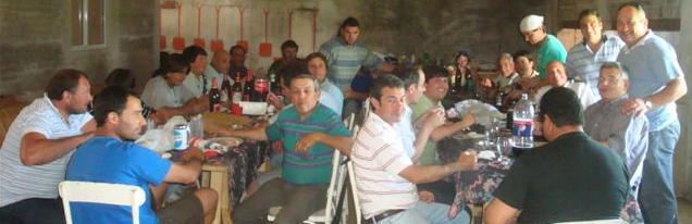 Imagen del almuerzo de los municipales de Rawson con Barrientos.