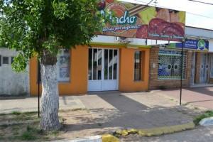 Frente de Minimercado Nacho.