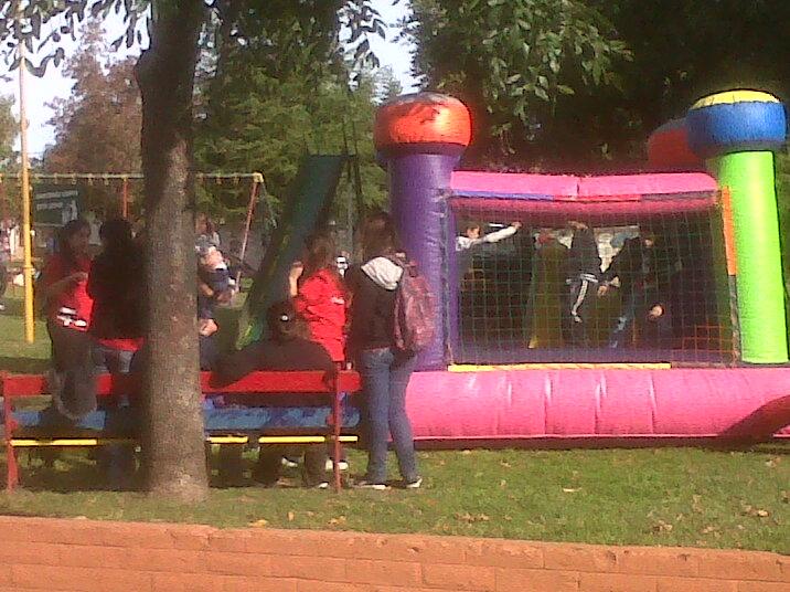 Un pelotero y actividades para los niños de O´Higgins.