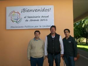 Ortega junto a jóvenes de Unión PRO Chacabuco en Maríapolis en O' Higgins.