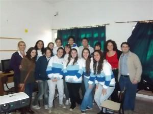 Ortega con alumnos de Instituto Santa Ana de O¨Higgins.