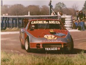 Osvaldo Luppi con su Dogge en el semipermanente El Panoramico de Junín, competencia disputada el 17 de Septiembre de 1989.