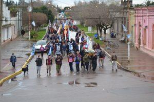 La columna de peregrinos en avenida Guillermo Rawson.