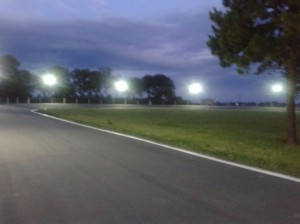 Se encendieron las luces en la Pista de Ciclismo.
