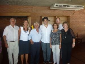 Dirigentes del Pro Chacabuco junto a Jorge Macri en un restaurante del Puerto de Olivos.