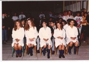 Alumnos de la Promoción 1985 en el acto fin de curso.