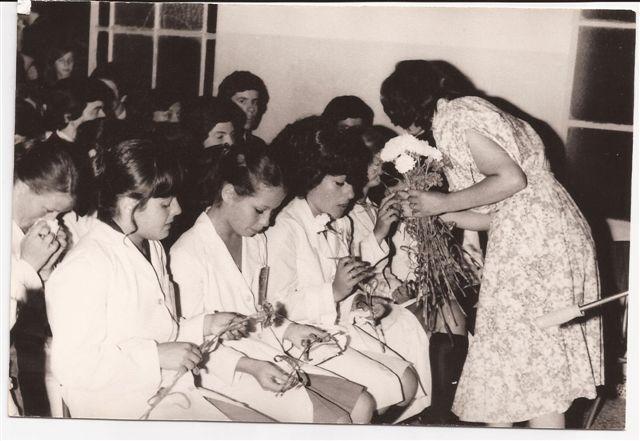 Directora Lic.Elba Ortigoza saluda a los egresados 1978.