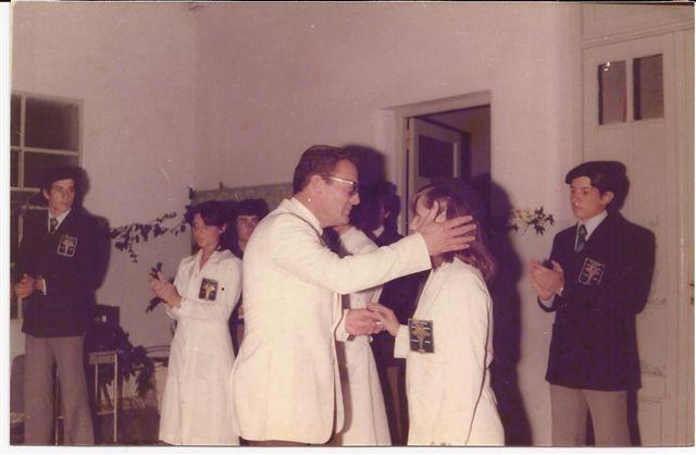 Entrega de Diplomas. N. Pérez a M.E.Etchanchú.