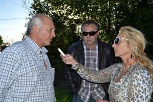 Micucci y Querejeta junto a Mónica del Castillo, hablando para Sobre Nivel.