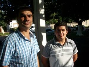 El Concejal de la UCR Ariel Di Piero en la fiesta del aniversario de Rawson. A su lado el presidente de la JR.