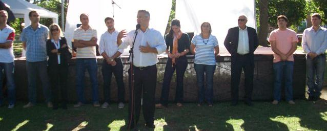 El Intendente Municipal Mauricio Barrientos en los festejos del 128 Aniversario de Rawson.