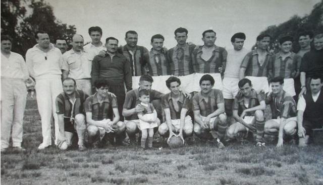 Formación que se consagará campeón en la Liga de Carmen de Areco en el alo 1959
