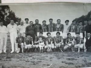 Formación que se consagrará campeón en el año 1959 en la Liga de Carmen de Areco.